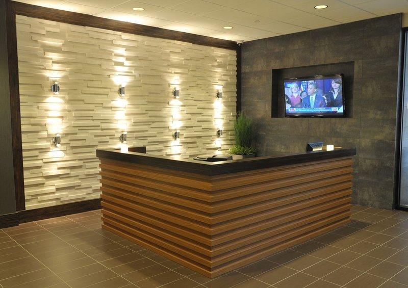 Holiday Inn Hotel & Suites Charleston West-Business Center<br/>Image from Leonardo
