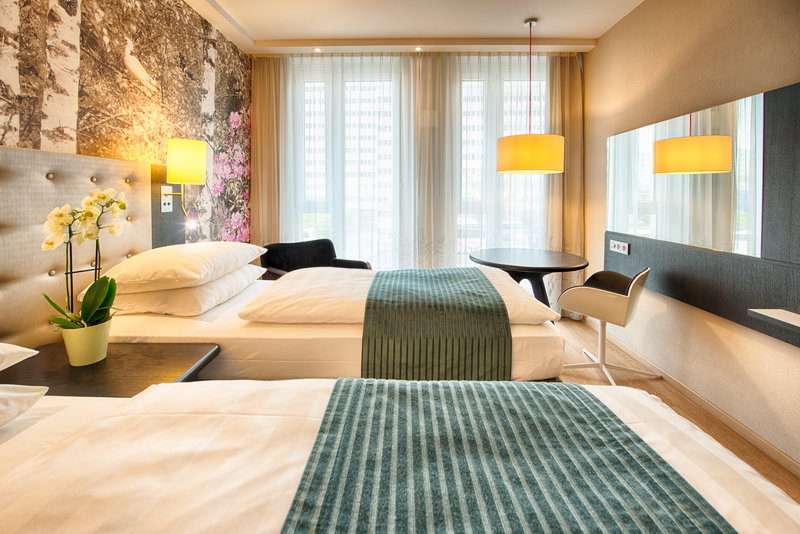 Holiday Inn Berlin Centre Alexanderplatz-Twin Bed Guest Room<br/>Image from Leonardo