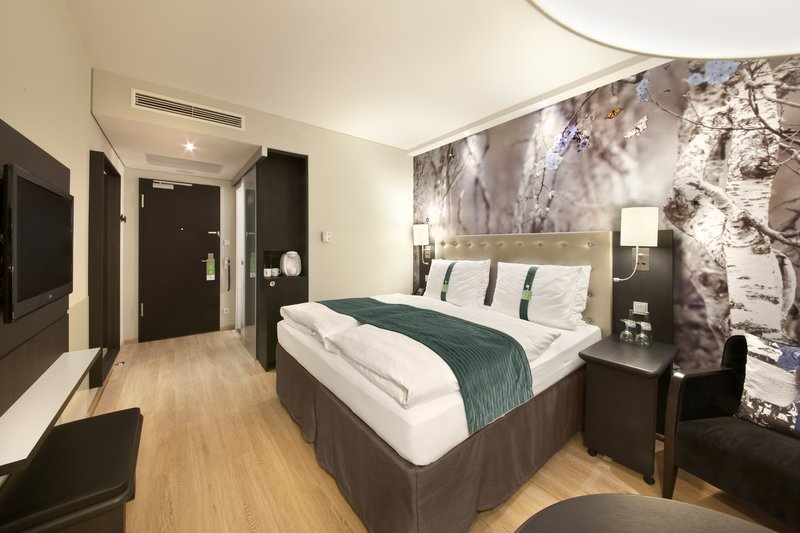 Holiday Inn Berlin Centre Alexanderplatz-Guest Room<br/>Image from Leonardo