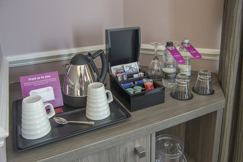 Holiday Inn Sheffield-Tea & Coffee making facility in all rooms<br/>Image from Leonardo