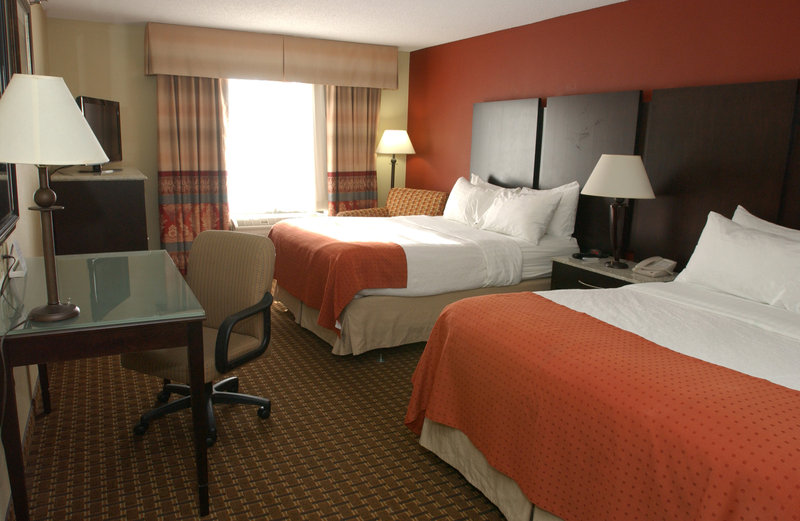 Holiday Inn Hotel & Suites Owatonna-Double Queen Bed Guest Room<br/>Image from Leonardo