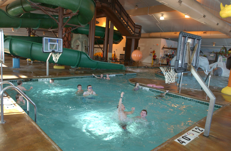 Holiday Inn Hotel & Suites Owatonna-Water basketball<br/>Image from Leonardo