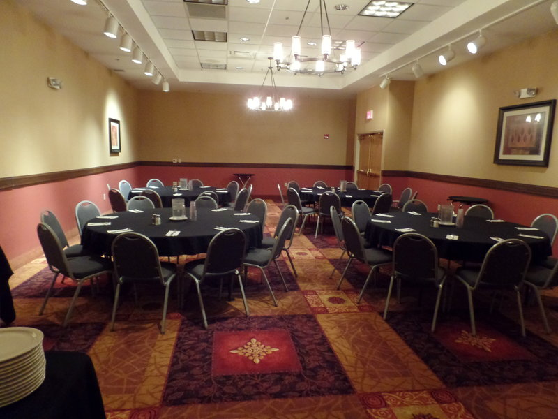 Holiday Inn Hotel & Suites Owatonna-Meeting Room<br/>Image from Leonardo