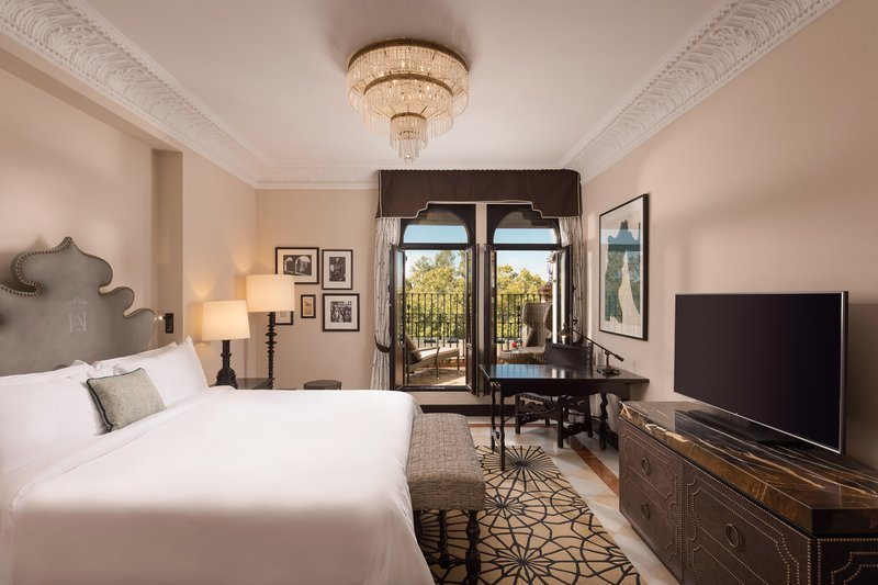 Hotel Alfonso XIII; a Luxury Collection Hotel Seville-King Grand Deluxe With Terrace Guest Room<br/>Image from Leonardo