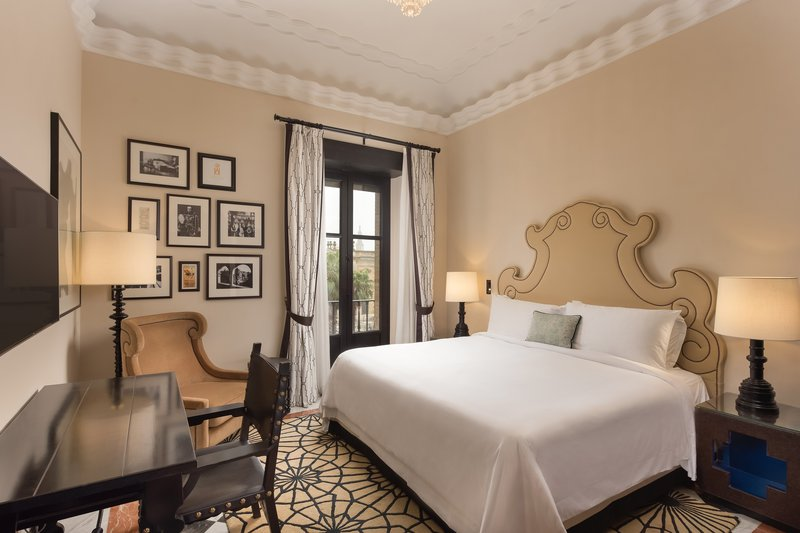 Hotel Alfonso XIII; a Luxury Collection Hotel Seville-King Deluxe Guest Room<br/>Image from Leonardo