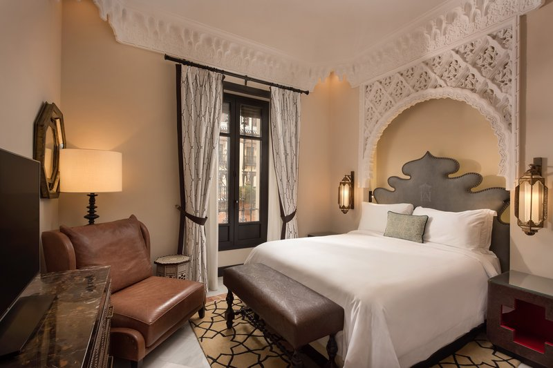 Hotel Alfonso XIII; a Luxury Collection Hotel Seville-Queen Deluxe Single Room Guest Room<br/>Image from Leonardo