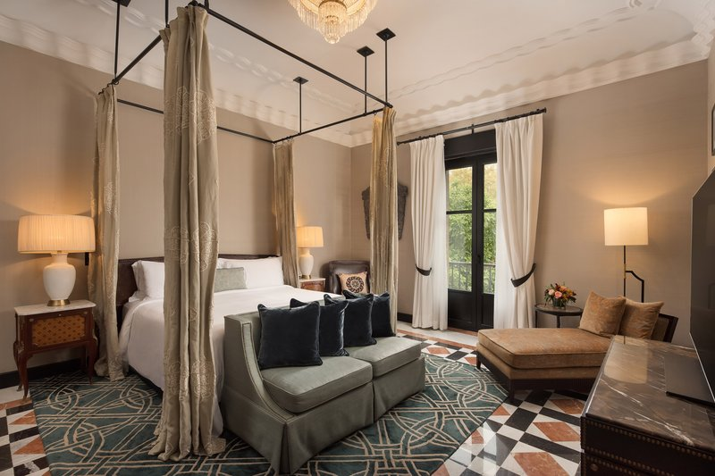 Hotel Alfonso XIII; a Luxury Collection Hotel Seville-King Alfonso XIII Suite<br/>Image from Leonardo