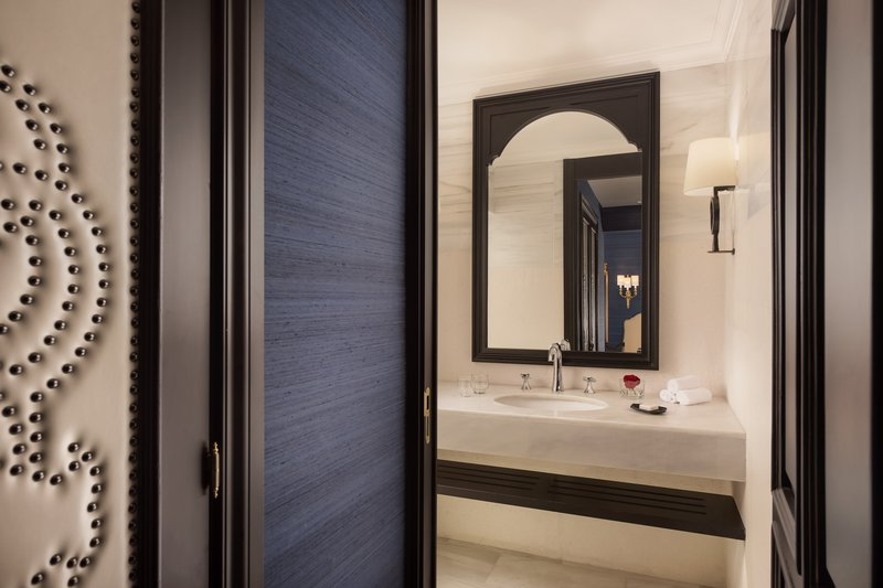 Hotel Alfonso XIII; a Luxury Collection Hotel Seville-Victoria Eugenia Suite Bathroom<br/>Image from Leonardo
