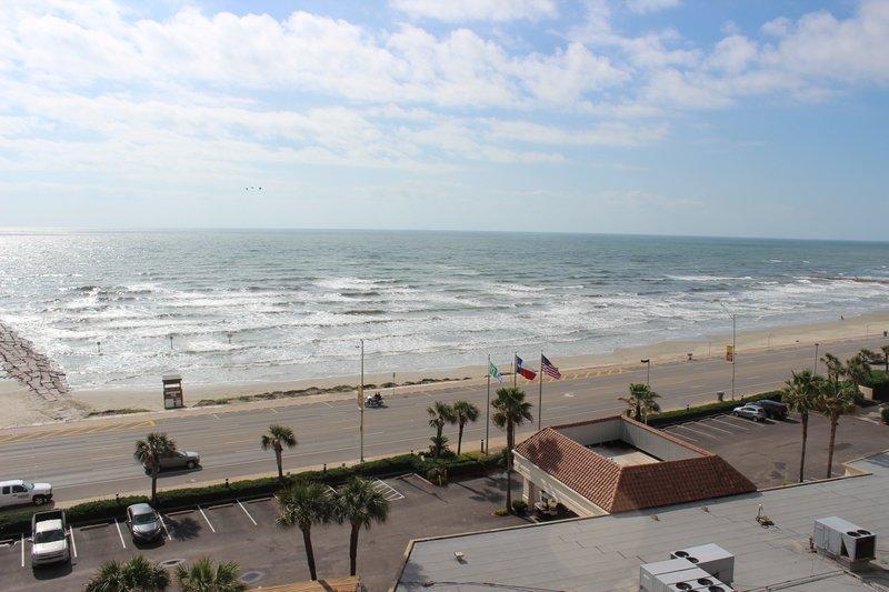 Holiday Inn Resort Galveston-On The Beach-Beach<br/>Image from Leonardo