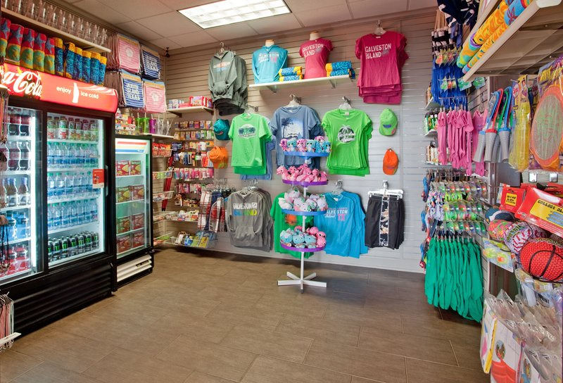 Holiday Inn Resort Galveston-On The Beach-Gift Shop<br/>Image from Leonardo