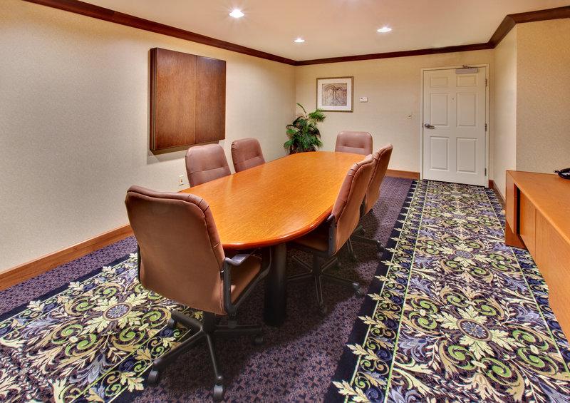Staybridge Suites Davenport-Boardroom<br/>Image from Leonardo