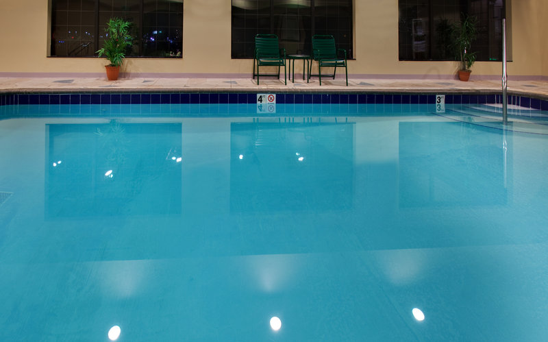 Staybridge Suites Davenport-Swimming Pool<br/>Image from Leonardo