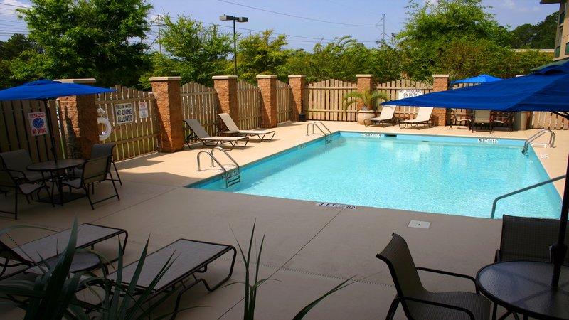 Holiday Inn Express Bluffton-Swimming Pool<br/>Image from Leonardo