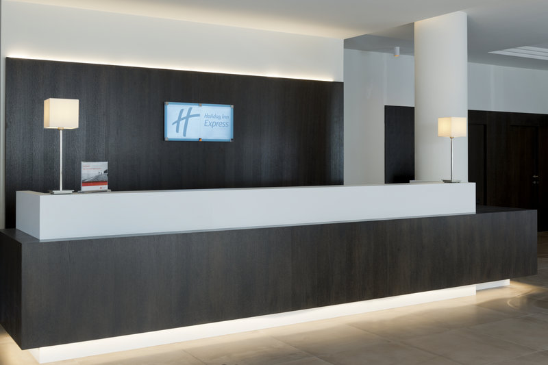 Holiday Inn Express Antwerp City - North-Front Desk<br/>Image from Leonardo