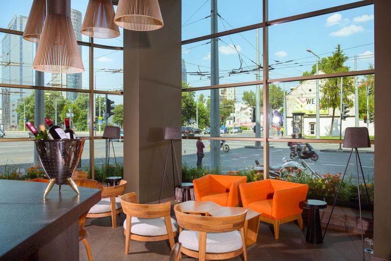 Holiday Inn Vilnius-Hotel Lobby bar<br/>Image from Leonardo