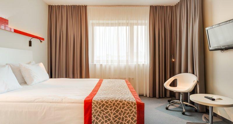 Holiday Inn Vilnius-Double Bed Guest Room<br/>Image from Leonardo