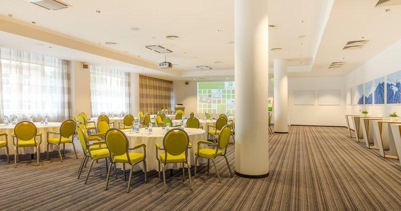 Holiday Inn Vilnius-Ballroom<br/>Image from Leonardo