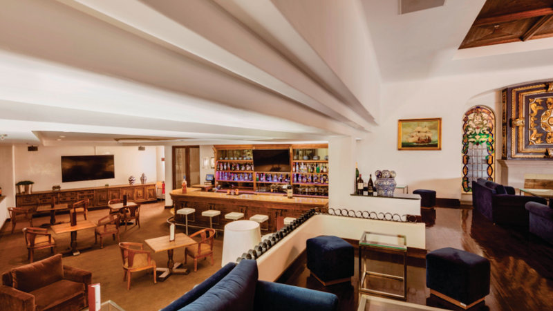 Holiday Inn Express Puebla-Lobby Bar<br/>Image from Leonardo