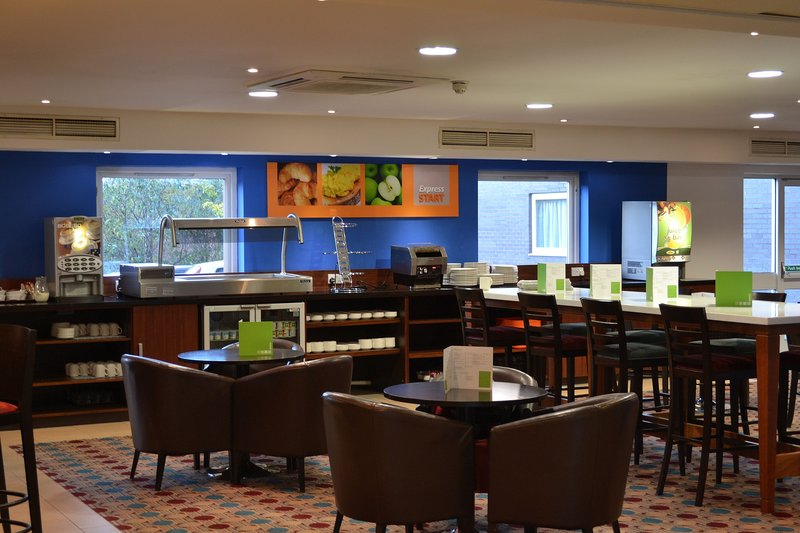 Holiday Inn Express Braintree-Enjoy free Wifi and dine off our lounge menu in