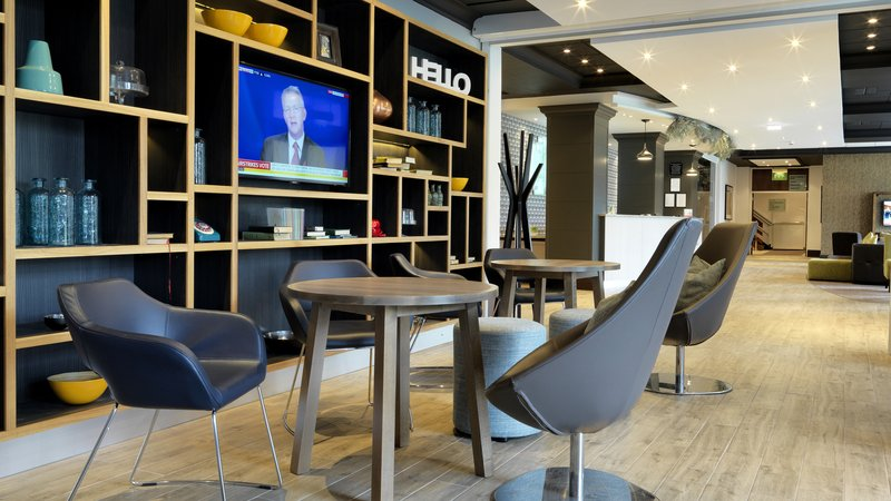 Holiday Inn Peterborough West-Reception and lobby at the Holiday Inn Peterborough West<br/>Image from Leonardo