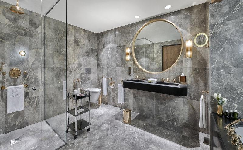 Mercure Courchevel Hotel-Chalet L'Amarante Bathroom<br/>Image from Leonardo