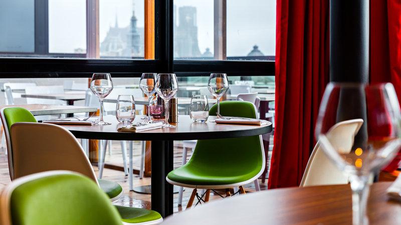 Holiday Inn Reims Centre-Restaurant area<br/>Image from Leonardo