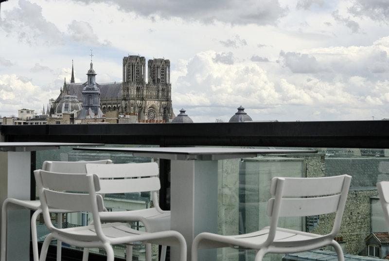 Holiday Inn Reims Centre-Top floor terrasse<br/>Image from Leonardo