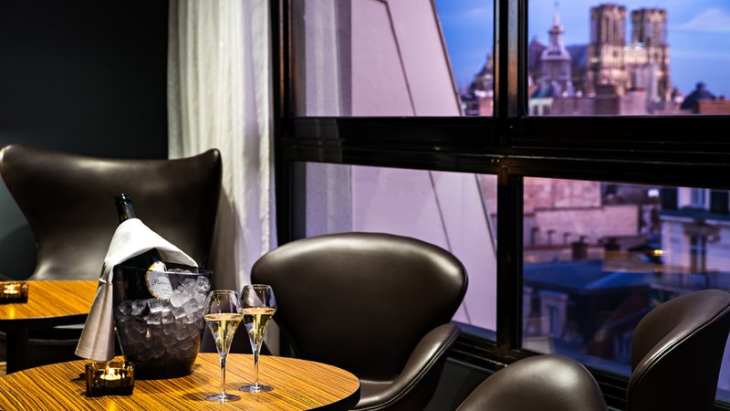 Holiday Inn Reims Centre-Bar In the R<br/>Image from Leonardo