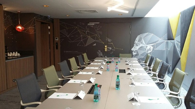 Holiday Inn Reims Centre-Notre Dame meeting room up top 14 delegates