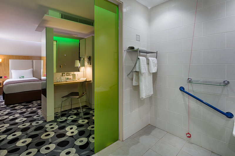 Holiday Inn Sittingbourne-Holiday Inn Sittingbourne Accessible Double Room<br/>Image from Leonardo