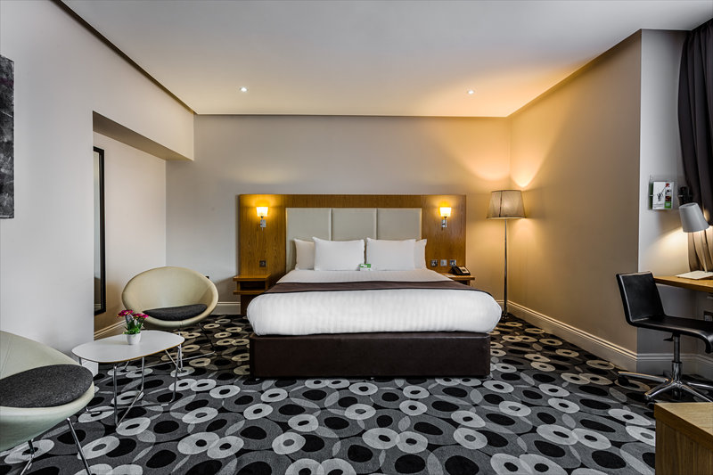 Holiday Inn Sittingbourne-Holiday Inn Sittingbourne Double Executive Feature Room<br/>Image from Leonardo