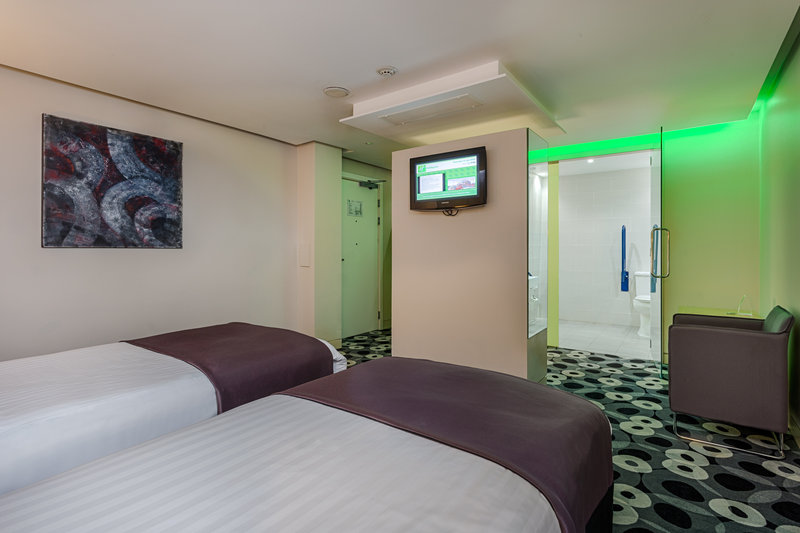 Holiday Inn Sittingbourne-Holiday Inn Sittingbourne Accessible Twin Room<br/>Image from Leonardo