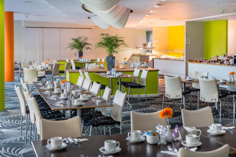 Holiday Inn Sittingbourne-Holiday Inn Sittingbourne Coniston Kitchen<br/>Image from Leonardo