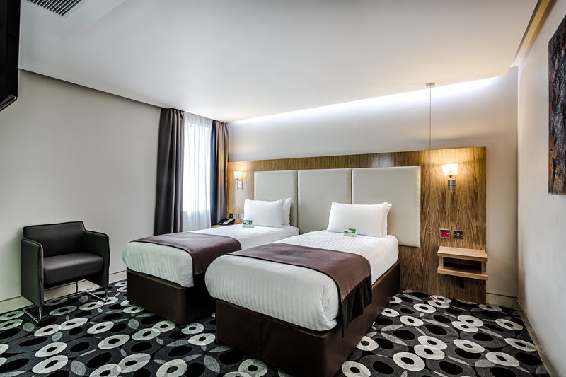 Holiday Inn Sittingbourne-Holiday Inn Sittingbourne Standard Twin Room<br/>Image from Leonardo