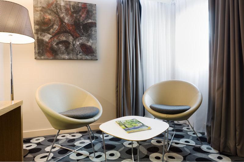 Holiday Inn Sittingbourne-Holiday Inn Sittingbourne Executive Feature Room<br/>Image from Leonardo