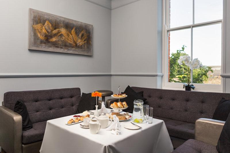 Holiday Inn Sittingbourne-Holiday Inn Sittingbourne Afternoon Tea<br/>Image from Leonardo