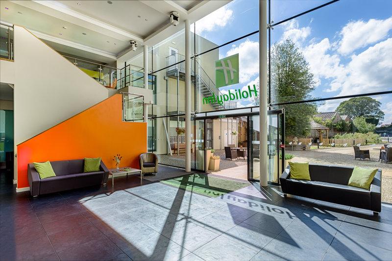 Holiday Inn Sittingbourne-Holiday Inn Sittingbourne Reception Lobby<br/>Image from Leonardo