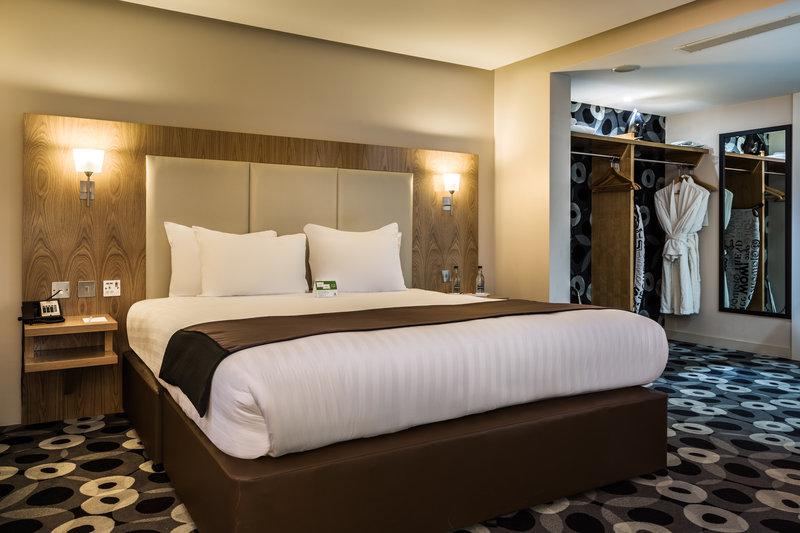 Holiday Inn Sittingbourne-Holiday Inn Sittingbourne Executive Double Room<br/>Image from Leonardo