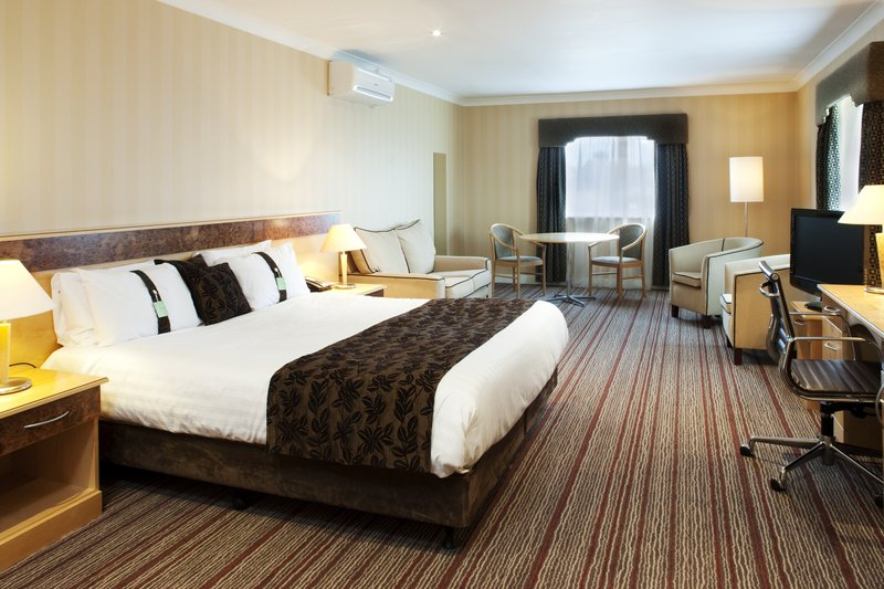 Holiday Inn Barnsley M1, Jct.37-Light airy and spacious Executive Room with complimentary internet<br/>Image from Leonardo