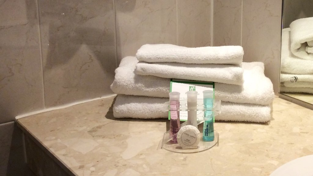 Holiday Inn Barnsley M1, Jct.37-Guest Bathroom Amenities<br/>Image from Leonardo