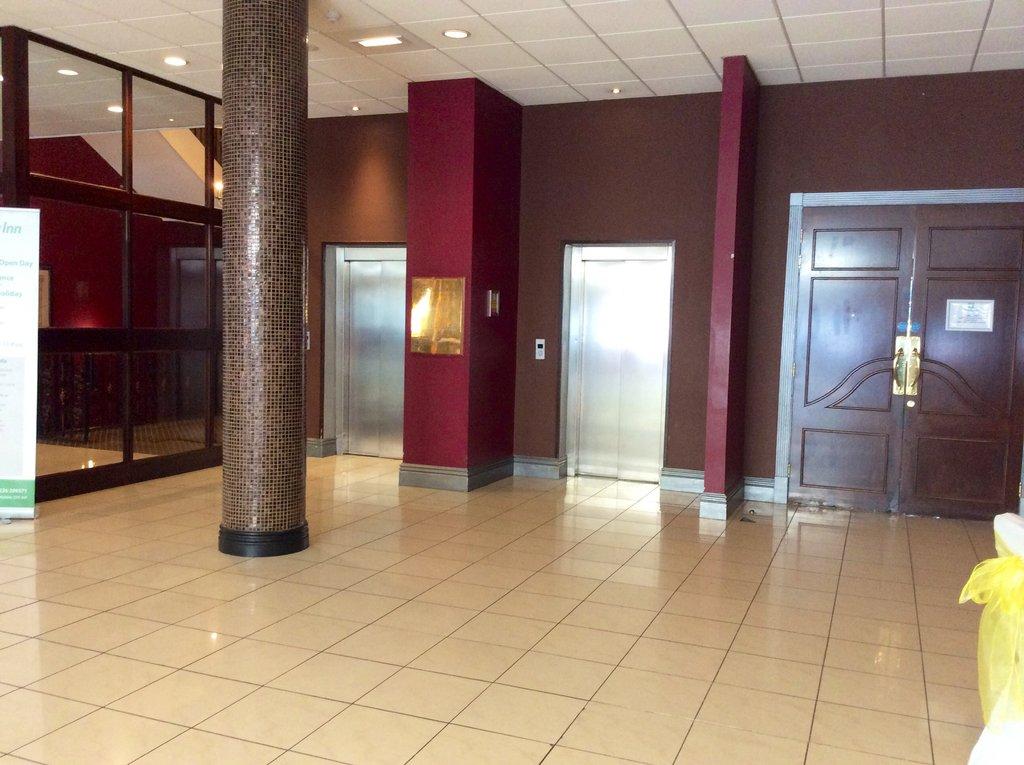 Holiday Inn Barnsley M1, Jct.37-Elevator to all floors<br/>Image from Leonardo