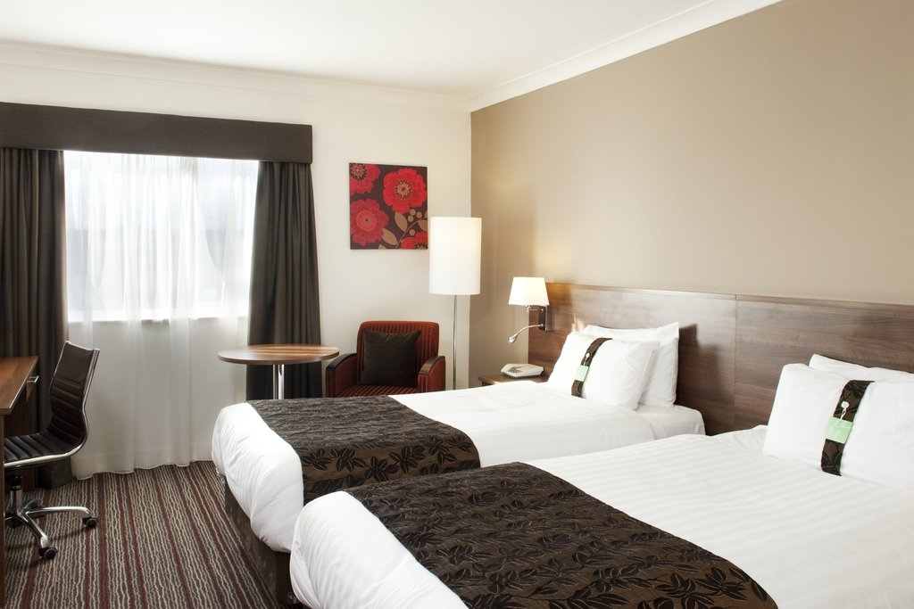 Holiday Inn Barnsley M1, Jct.37-Twin Bed Contemporary Style Guest Room with complimentary Internet<br/>Image from Leonardo