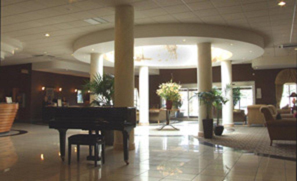 Holiday Inn Barnsley M1, Jct.37-Our Luxurious marble tiled lobby<br/>Image from Leonardo