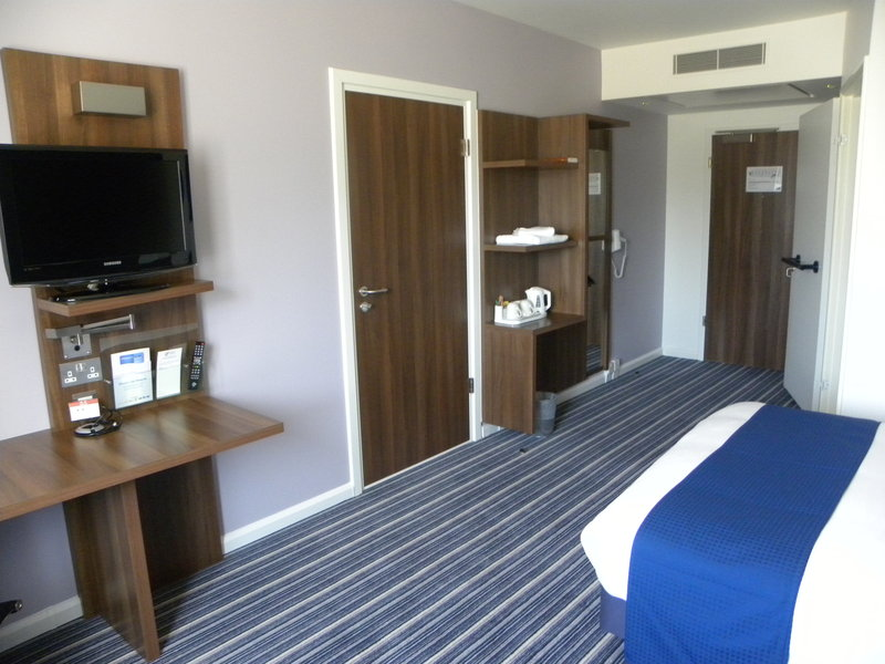 Holiday Inn Express Colchester-Wheel Chair Acessible Room<br/>Image from Leonardo