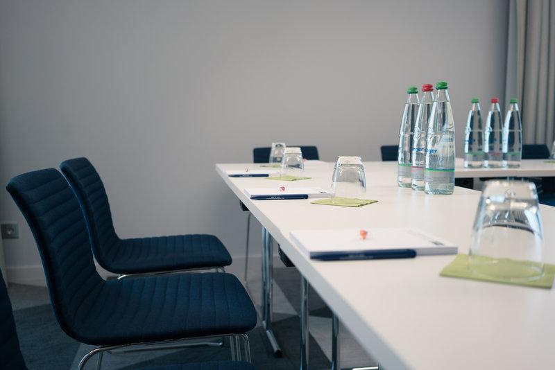 Holiday Inn Express Stuttgart Airport-Meeting Room<br/>Image from Leonardo
