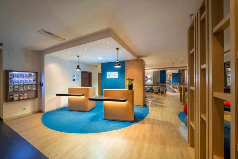 Holiday Inn Express Stuttgart Airport-Front Desk<br/>Image from Leonardo