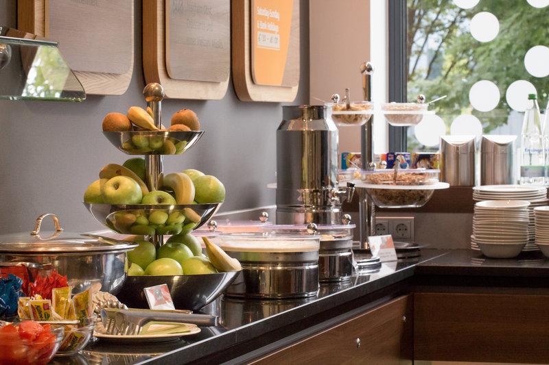 Holiday Inn Express Stuttgart Airport-Breakfast Area<br/>Image from Leonardo