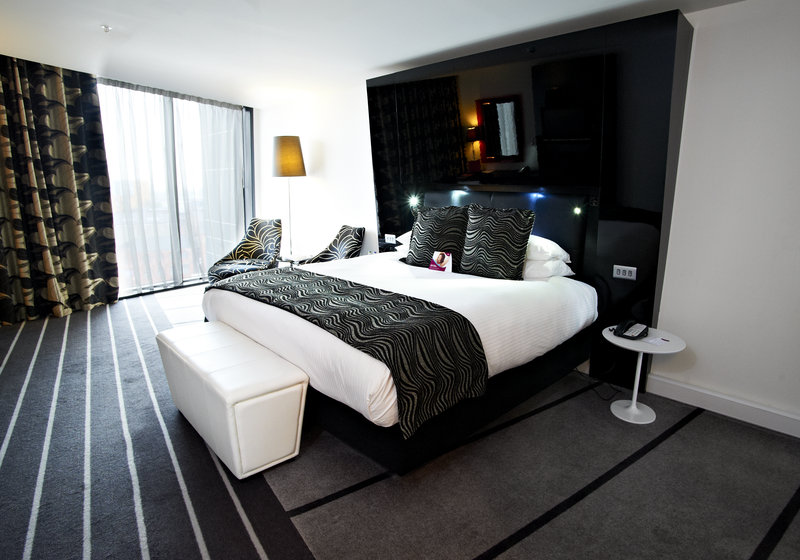 Crowne Plaza Manchester City Centre-King Club Deluxe Room<br/>Image from Leonardo