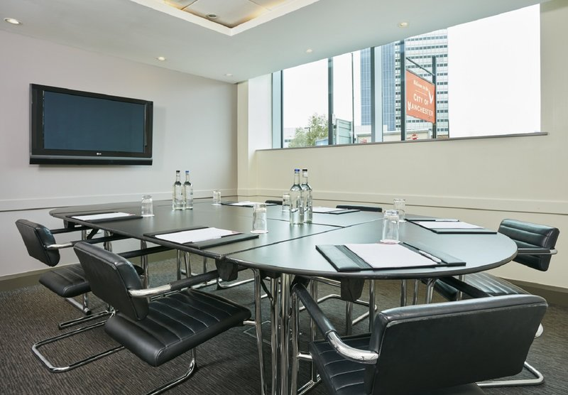 Crowne Plaza Manchester City Centre-Swan Suite - boardroom layout<br/>Image from Leonardo
