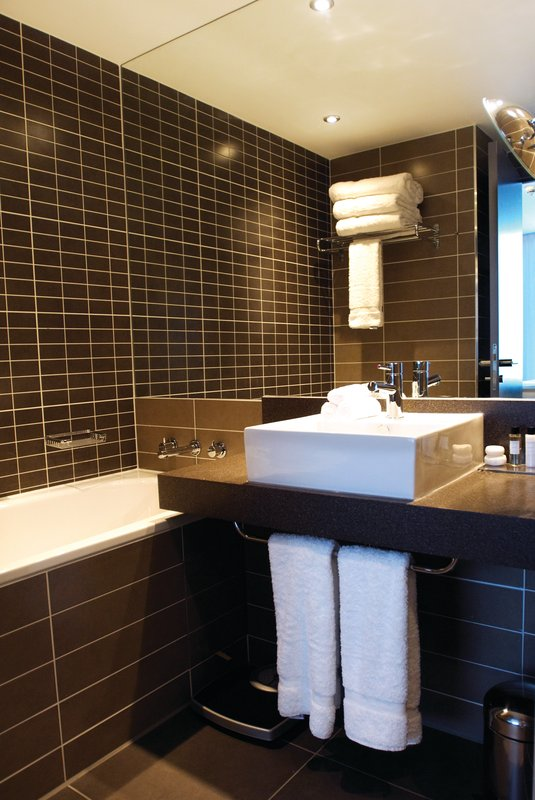 Crowne Plaza Manchester City Centre-Bathroom Amenities<br/>Image from Leonardo